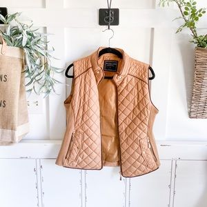 Brown sleeveless quilted zippered puffer vest